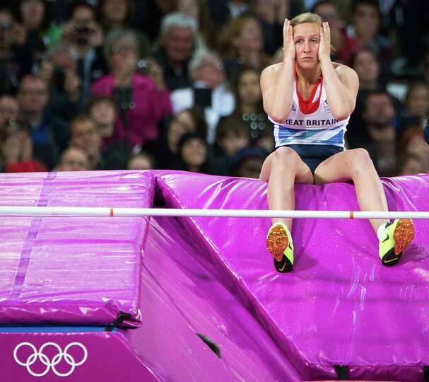 Holly Bleasdale of Great Britain reacts after failing to clear 4.55 meters in her final attempt duri