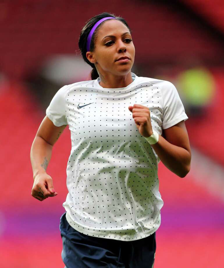 MANCHESTER, ENGLAND - AUGUST 06: Sydney Leroux of USA runs during warm up during the Women's Football Semi Final match between Canada and USA, on Day 10 of the London 2012 Olympic Games at Old Trafford on August 6, 2012 in Manchester, England. Photo: Stanley Chou, Getty Images / 2012 Getty Images