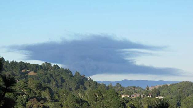 View of Chevron Fire from Rose Avenue in Mill Valley @ 7:04 PM Photo: Kevinmarlatt, Kevinmarlatt / Reader Photo