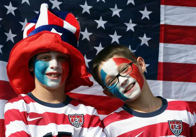 GLASGOW, SCOTLAND - JULY 25: USA fans during the Women's Football first round Group G Match of the London 2012 Olympic Games between United States and France, at Hampden Park on July 25, 2012 in Glasgow, Scotland.  (Photo by Stanley Chou/Getty Images) (Stanley Chou / Getty Images)