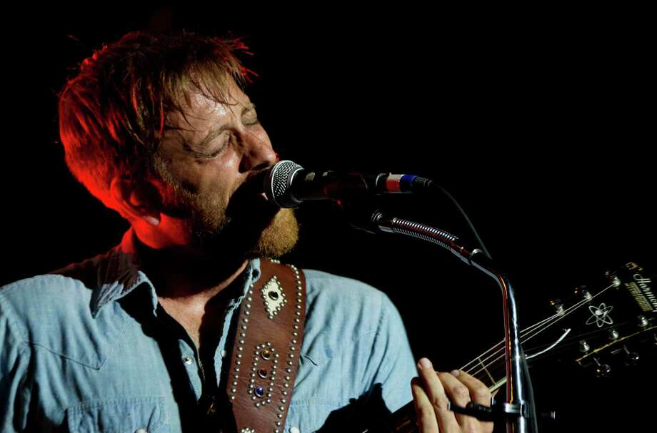 Dan Auerbach from The Black Keys performs at Lollapalooza in Chicago's Grant Park on Friday, Aug. 3, 2012. Photo: SITTHIXAY DITTHAVONG/INVISION/AP