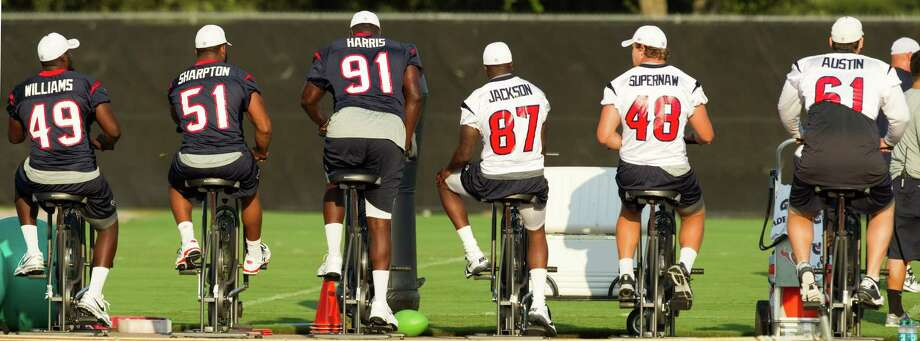 Texans players burn a lot of calories on stationary bikes, so it's up to the team's nutritionist to ensure they have the right amount to burn via a healthy diet. Photo: Brett Coomer / © 2012 Houston Chronicle