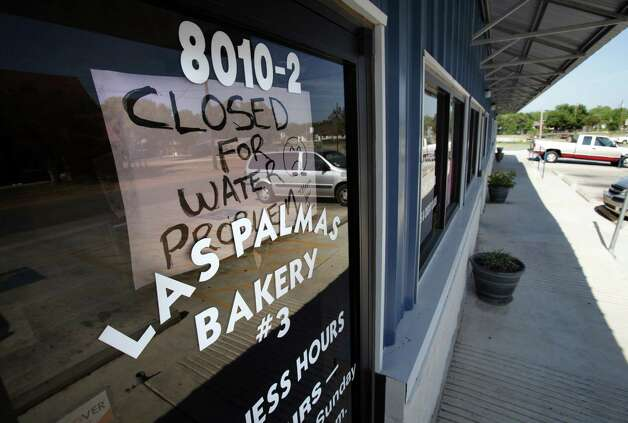 Las Palmas Bakery in Somerset as were other eateries, because a gas line and a water line were broken at a construction site.  Tuesday, Aug. 7, 2012. Photo: BOB OWEN, San Antonio Express-News / © 2012 San Antonio Express-News