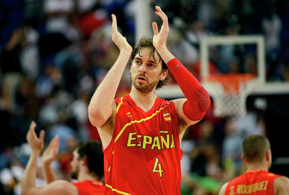 LONDON, ENGLAND - AUGUST 08:  Pau Gasol #4 of Spain reacts late in the fourth quarter while taking on France during the Men's Basketball quaterfinal game on Day 12 of the London 2012 Olympic Games at North Greenwich Arena on August 8, 2012 in London, England. Photo: Ronald Martinez, Getty Images / 2012 Getty Images