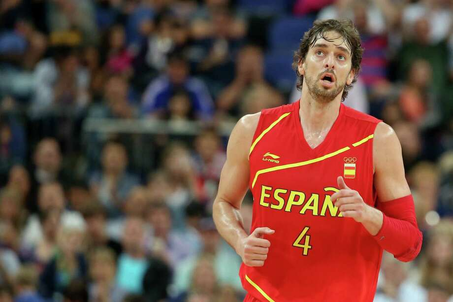 LONDON, ENGLAND - AUGUST 08:  Pau Gasol #4 of Spain reacts in the first half while taking on France during the Men's Basketball quaterfinal game on Day 12 of the London 2012 Olympic Games at North Greenwich Arena on August 8, 2012 in London, England. Photo: Christian Petersen, Getty Images / 2012 Getty Images