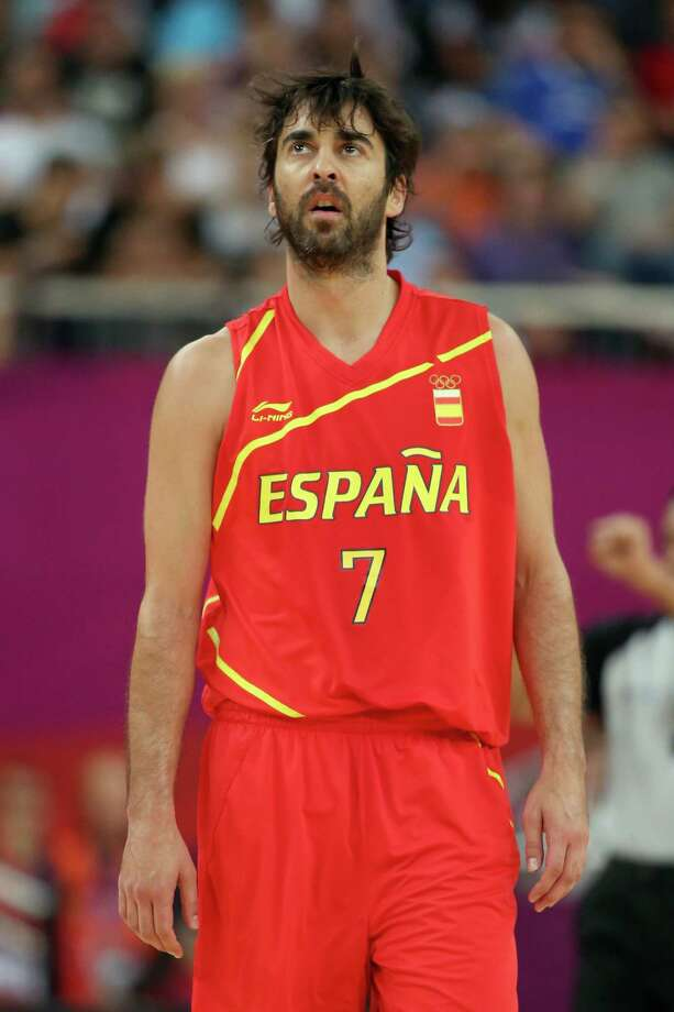 LONDON, ENGLAND - AUGUST 08:  Juan-Carlos Navarro #7 of Spain looks on while taking on France during the Men's Basketball quaterfinal game on Day 12 of the London 2012 Olympic Games at North Greenwich Arena on August 8, 2012 in London, England. Photo: Christian Petersen, Getty Images / 2012 Getty Images
