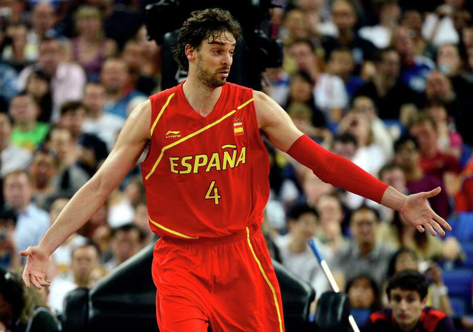 LONDON, ENGLAND - AUGUST 08:  Pau Gasol #4 of Spain reacts in the first half while taking on France during the Men's Basketball quaterfinal game on Day 12 of the London 2012 Olympic Games at North Greenwich Arena on August 8, 2012 in London, England. Photo: Ronald Martinez, Getty Images / 2012 Getty Images