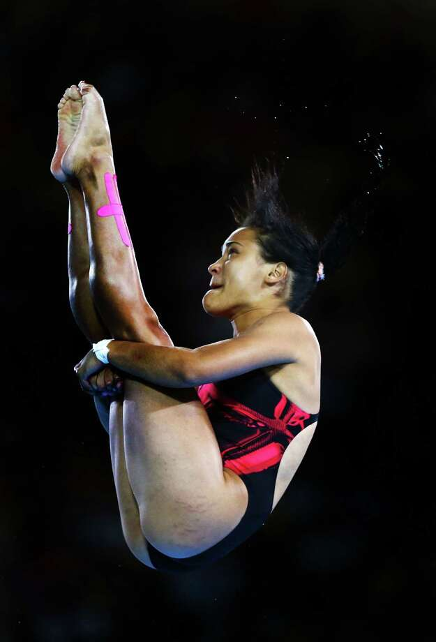LONDON, ENGLAND - AUGUST 08: Annia Rivera of Cuba competes in the Women's 10m Platform Diving Preliminary on Day 12 of the London 2012 Olympic Games at the Aquatics Centre on August 8, 2012 in London, England. Photo: Al Bello, Getty Images / 2012 Getty Images