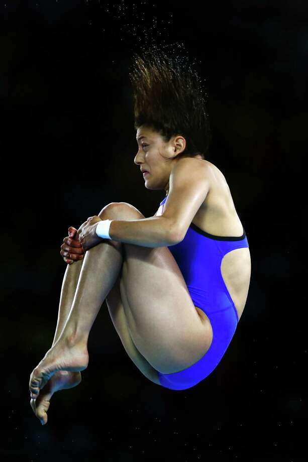 LONDON, ENGLAND - AUGUST 08:  Carolina Mendoza Hernandez of Mexico competes in the Women's 10m Platform Diving Preliminary on Day 12 of the London 2012 Olympic Games at the Aquatics Centre on August 8, 2012 in London, England. Photo: Al Bello, Getty Images / 2012 Getty Images