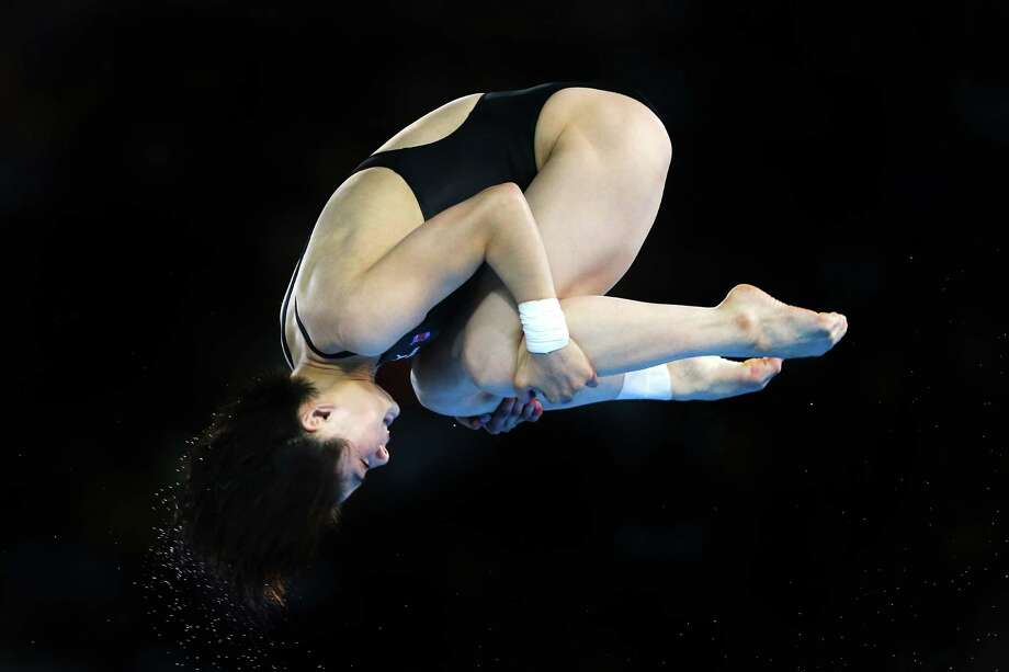 LONDON, ENGLAND - AUGUST 08:  Kim Jin Ok of Korea competes in the Women's 10m Platform Diving Preliminary on Day 12 of the London 2012 Olympic Games at the Aquatics Centre on August 8, 2012 in London, England. Photo: Al Bello, Getty Images / 2012 Getty Images