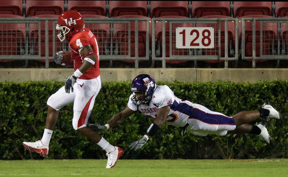 Ronnie Williams scored on this play in 2009 and has been in the UH program since 2008 but will be asked to play a much bigger role than in the past. Photo: Smiley N. Pool / Houston Chronicle