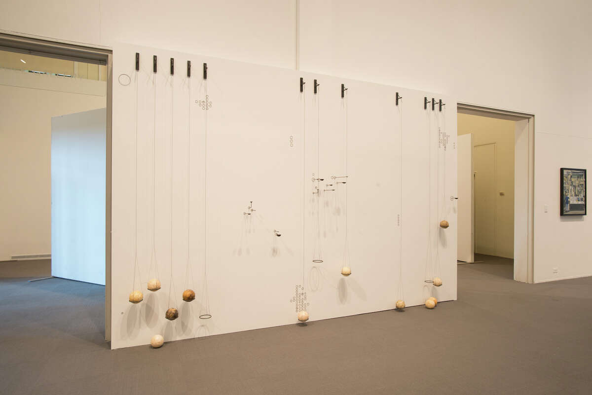 Pamela Wallace, ''No sound, clustered notes unravel''