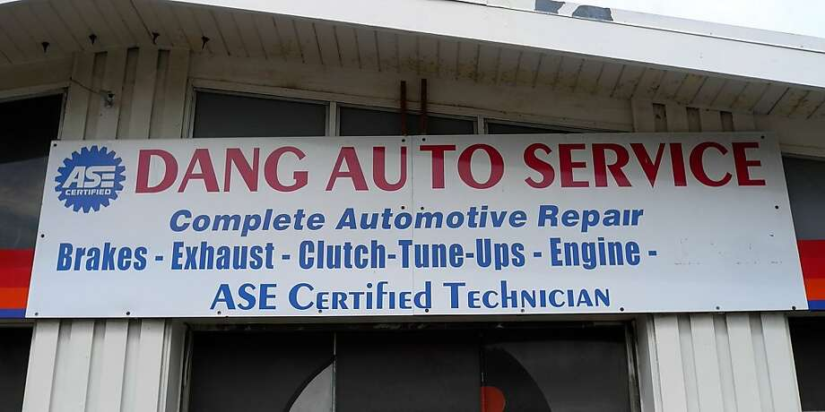 This Milwaukee repair shop specializes in getting the dang dings out of cars. Judging from reviews on Google, it does a darn good job of saving customers' money as well. Photo: Wayne Rokicki/Signspotting.com