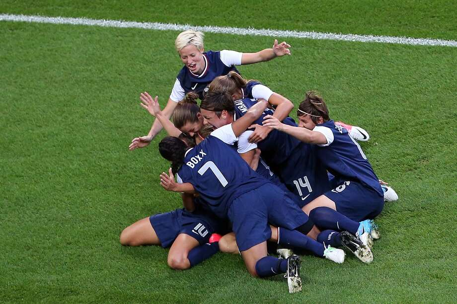 LONDON, ENGLAND - AUGUST 09:  The United States celebrates the first half goal by Carli Lloyd #10 of United States against Japan during the Women's Football gold medal match on Day 13 of the London 2012 Olympic Games at Wembley Stadium on August 9, 2012 in London, England.  (Photo by Ronald Martinez/Getty Images) (Getty Images)