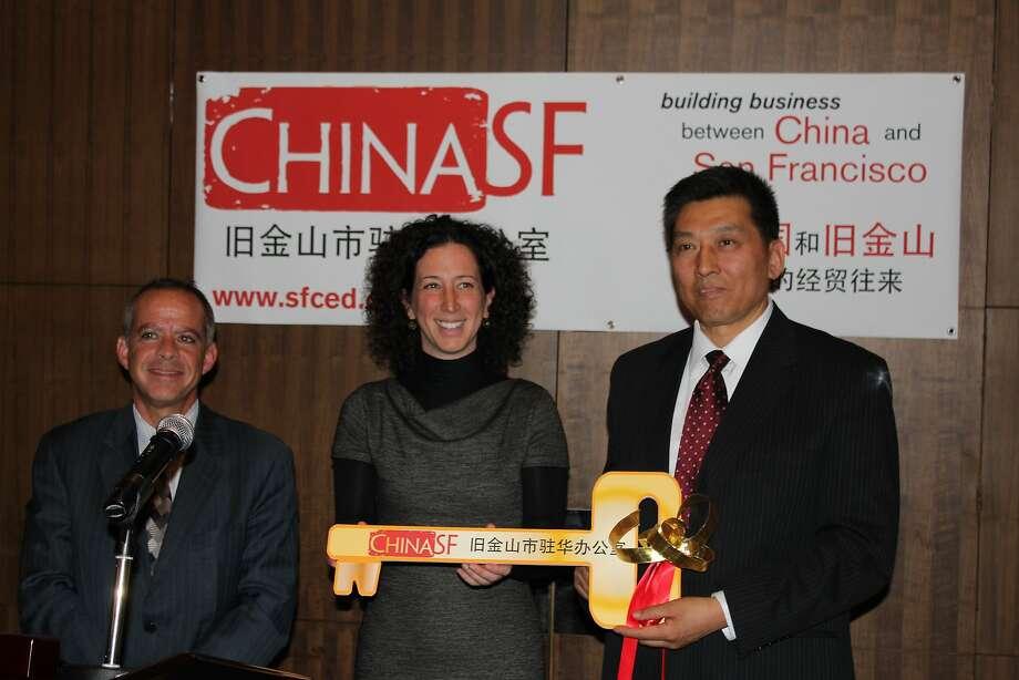 China SF board chairman Michael Cohen , with  Jennifer Matz  at  Zuozhang Liu . at ChinaSF Beijing office opening.  photo by Alfredo Casuso / DP&A Photo: Alfredo Casuso, DP&A