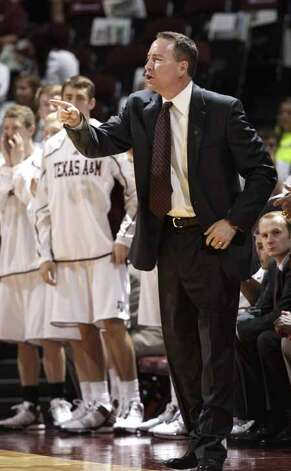 Texas A&M coach Billy Kennedy instructs his team during the first half of an NCAA college basketball game against Southern Sunday, Nov. 13, 2011, in College Station, Texas. Kennedy was recently diagnosed with early stage Parkinson's disease. (AP Photo/David J. Phillip) (Associated Press)
