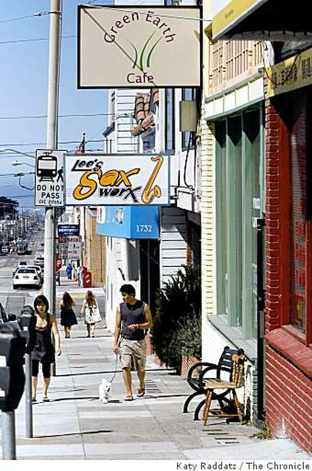 See the ocean from Taraval Street in the Parkside district. Photo: Katy Raddatz, The Chronicle