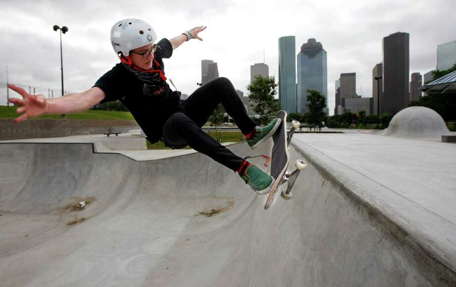 Ben Raybourn skates in the expert pool of the Lee and Joe Jamail Skate Park along Buffalo Bayou. A similar park has been proposed for the Spring area. Photo: Kevin Fujii / Houston Chronicle