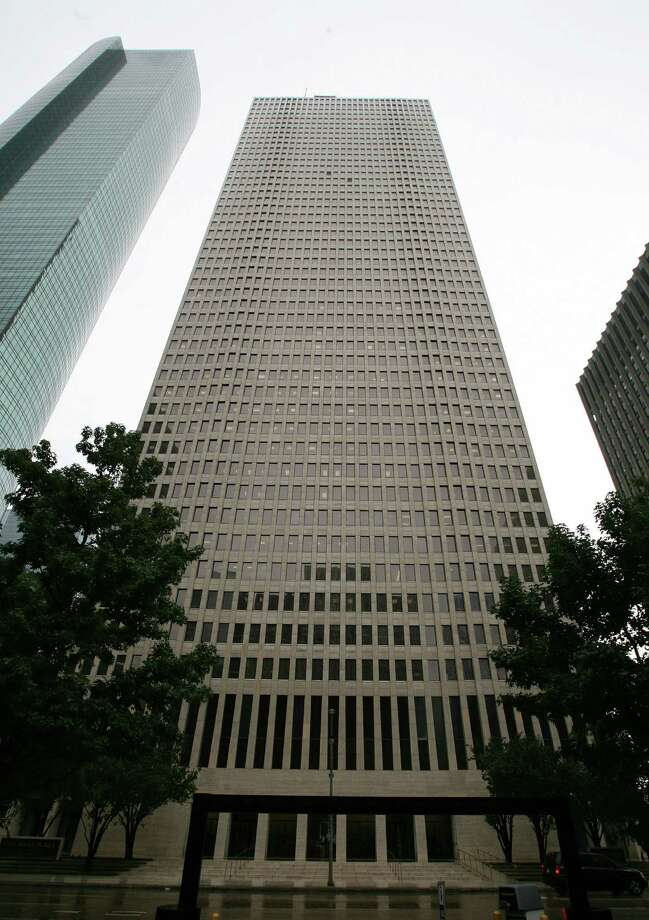 One Shell Plaza located at 910 Louisiana is valued at $163.3 million.( James Nielsen / Chronicle ) Photo: James Nielsen / © Houston Chronicle 2012 Photo: James Nielsen / © Houston Chronicle 2012