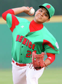 Reynosa, Mexico's Raymundo Berrones pitches against McAllister Park Saturday, May 8, 2010 at Nelson Wolff Stadium.  The international goodwill game is a rematch of the 2009 LLWS consolation game. Reynosa won 9-8. Photo: Edward A. Ornelas, San Antonio Express-News / eaornelas@express-news.net