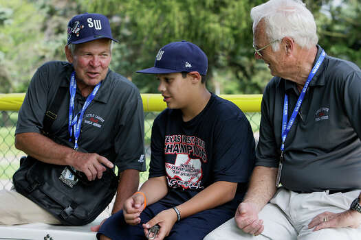 McAllister Park Little League World Series Uncles Walt Zegarski (left) and Bill Castle right, joke it up with team member Travis Daves during batting practice in South Williamsport, Pa., Thursday, Aug. 20, 2009. Photo: Jerry Lara, San Antonio Express-News / glara@express-news.net