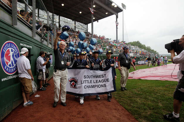McAllister Park Little League walks into Volunteer Stadium during the Opening Ceremonies of the 2009 Little League World Series in South Williamsport, Pa., Friday, Aug. 21, 2009. Photo: Jerry Lara, San Antonio Express-News / glara@express-news.net