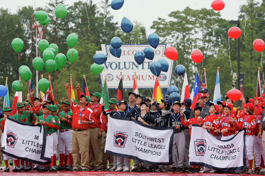 Balloons are released by the participating teams including McAllister Park during the Opening Ceremonies of the 2009 Little League World Series in South Williamsport, Pa., Friday, Aug. 21, 2009. Photo: Jerry Lara, San Antonio Express-News / glara@express-news.net