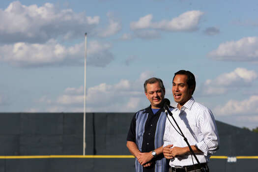 San Antonio Mayor Julián Castro (right) and Councilman John Clamp address the crowd during a McAllister Park Little League team meet-and-greet, Sunday, Aug. 16, 2009. Photo: Jerry Lara, San Antonio Express-News / glara@express-news.net