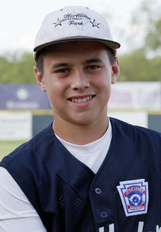 McAllister Park Little League, No. 22 second baseman Nick Smisek. Photo: Jerry Lara, San Antonio Express-News / glara@express-news.net