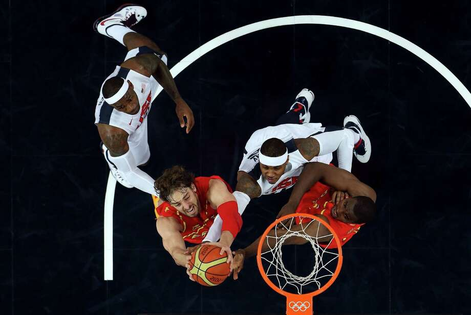 LONDON, ENGLAND - AUGUST 12:  Pau Gasol #4 of Spain drives through traffic during the Men's Basketball gold medal game between the United States and Spain on Day 16 of the London 2012 Olympics Games at North Greenwich Arena on August 12, 2012 in London, England. Photo: Christian Petersen, Getty Images / 2012 Getty Images