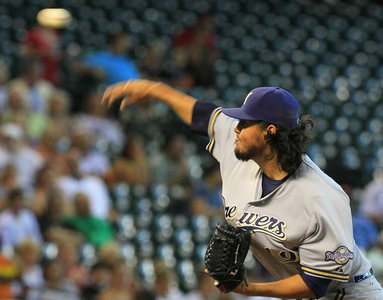 Brewers starting pitcher Yovani Gallardo lasted 7 2/3 innings against the Astros. (Cody Duty / Chron