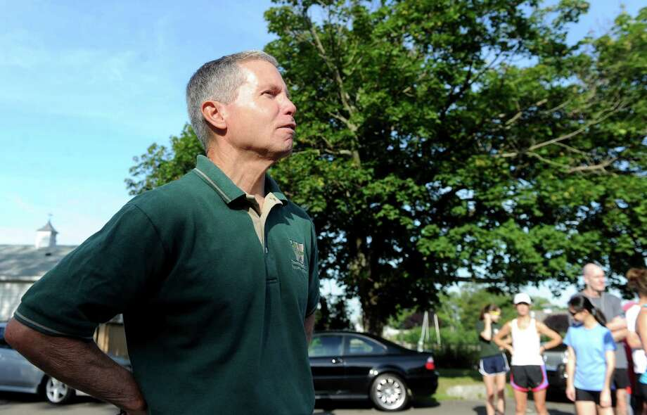 Laddie Lawrence has been directing the Westport Summer Road Runners Series for 47 of its 50 seasons. And veteran runners credit the legendary Staples track and cross country coach's attention to details for its continued success. Photo: Autumn Driscoll, File Photo / Connecticut Post