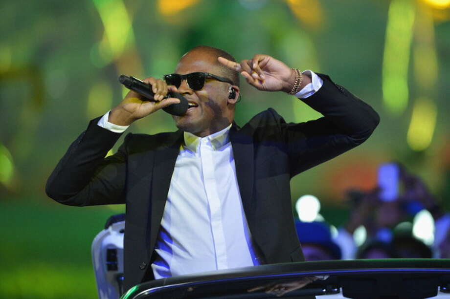 Taio Cruz performs during the Closing Ceremony. Photo: Getty Images
