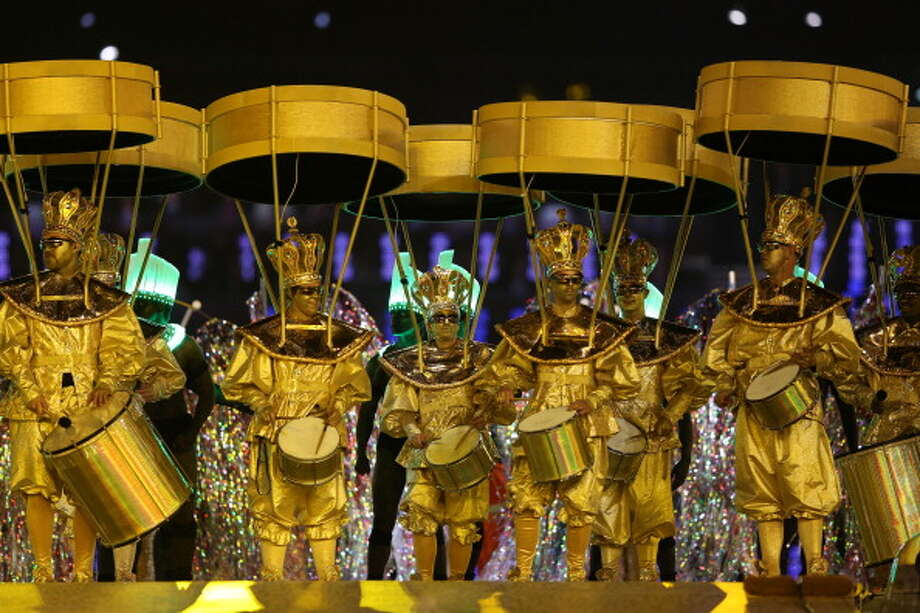 Artists perform during the Rio de Janerio handover during the Closing Ceremony. Photo: Getty Images
