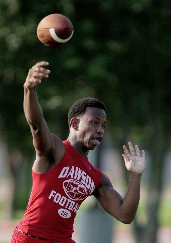 8/13/12: The Dawson High School 4A  football team practices at Dawson High School in Pearland, Texas.   For the Chronicle: Thomas B. Shea Photo: Thomas B. Shea, For The Chronicle / © 2012 Thomas B. Shea