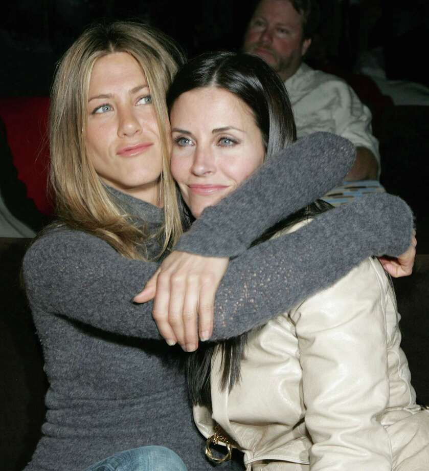 "Aniston and Cox attend the after party at the L.A. premiere for ""The Tripper"" held at the Hollywood Forever Cemetery on April 11, 2007. Photo: Alberto E. Rodriguez, Getty / 2007 Getty Images"