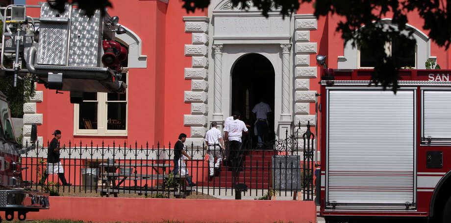 "Liberty Bar: 1111 S. Alamo St., 210-227-1187, www.liberty-bar.com. Rachael Ray visited the original location as part of an episode of ""Rachael's Vacation."" Photo: John Davenport/San Antonio Express-News"