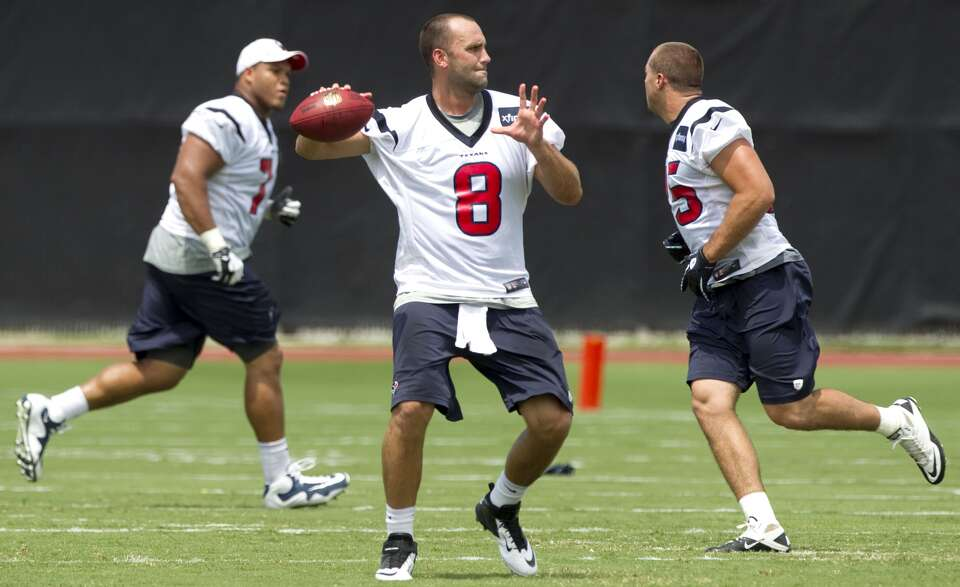 Texans quarterback Matt Schaub drops back to pass. (Brett Coomer / Houston Chronicle)