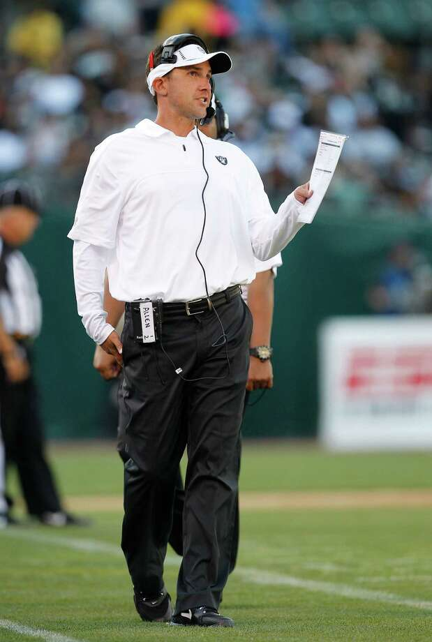 Oakland Raiders head coach Dennis Allen against the Dallas Cowboys during the first half of an NFL preseason football game in Oakland, Calif., Monday, Aug. 13, 2012. (AP Photo/Tony Avelar) Photo: Tony Avelar, Associated Press / FR155217 AP