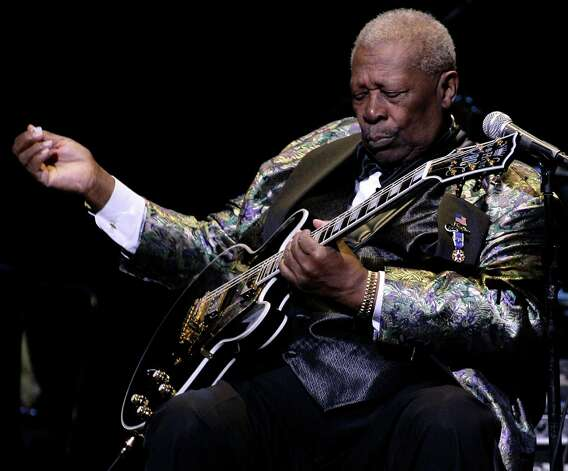 Blues singer and guitarist B.B. King performs at the Kodak Theatre on Saturday, Jan 6, 2007 in Los Angeles. Photo: Danny Moloshok, AP / MOLOSHOK