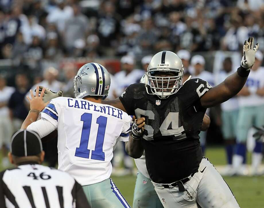 Defensive tackle Dominique Hamilton pressures Dallas Cowboys backup quarterback Rudy Carpenter in the fourth quarter. Photo: Carlos Avila Gonzalez, The Chronicle