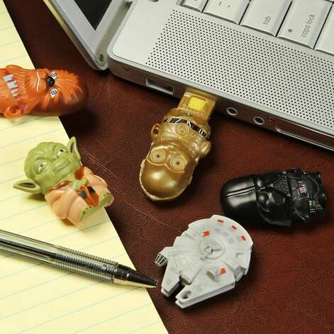 Star Wars MimoMicro USB Drive & Reader: $12.99 at ThinkGeek.com