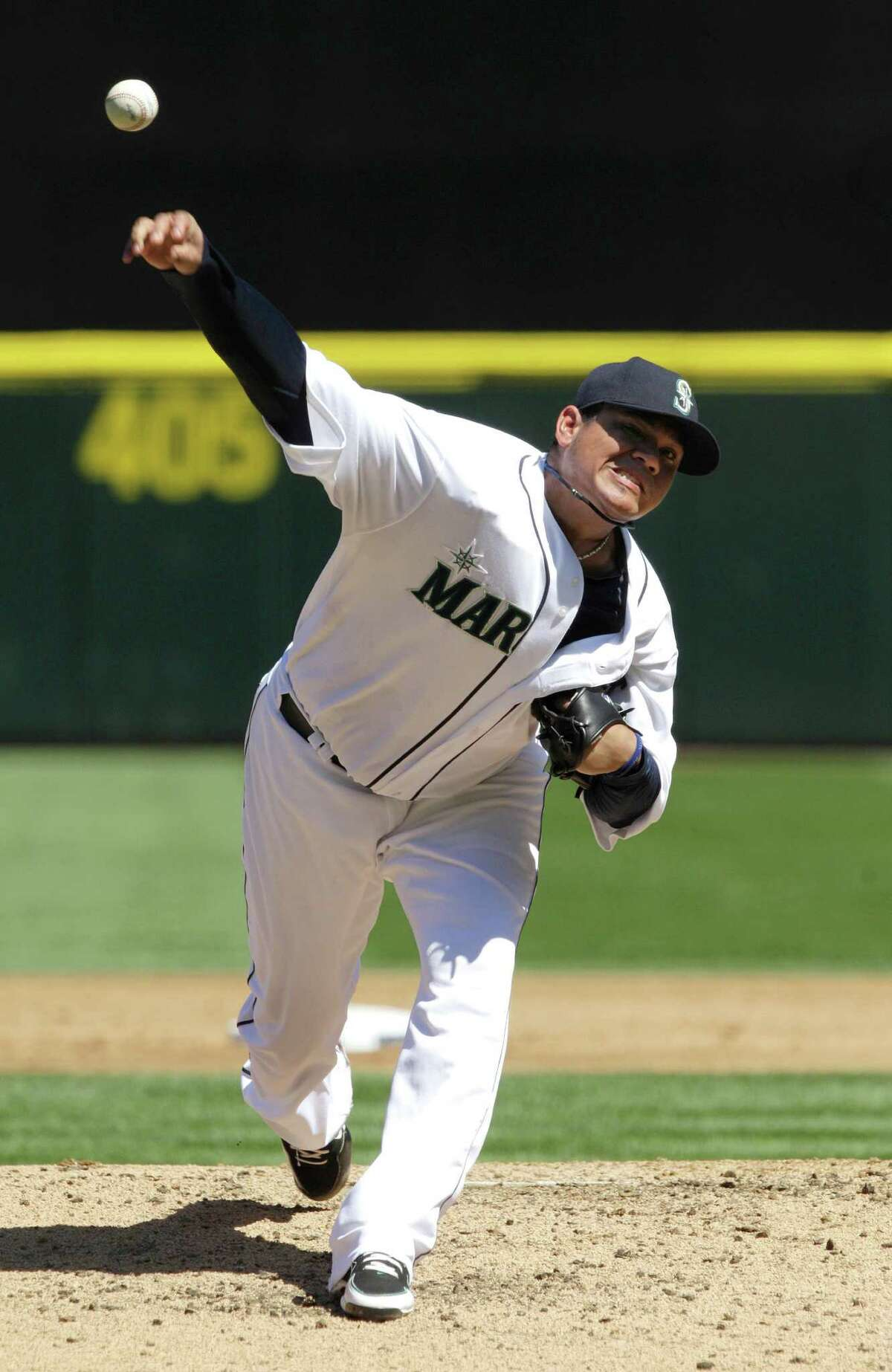 Seattle Mariners starting pitcher Felix Hernandez throws to a Tampa Bay Rays batter in the third inning of a baseball game Wednesday in Seattle. (AP Photo/Ted S. Warren)