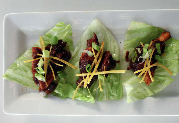 Lettuce Wraps at Knife & Fork Gastropub in San Antonio on Tuesday, August 14, 2012. Photo: Lisa Krantz, San Antonio Express-News / San Antonio Express-News