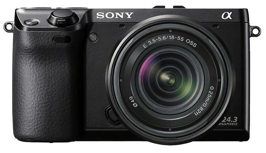Sony Alpha NEX-7 with 18-55mm lens Photo: Sony