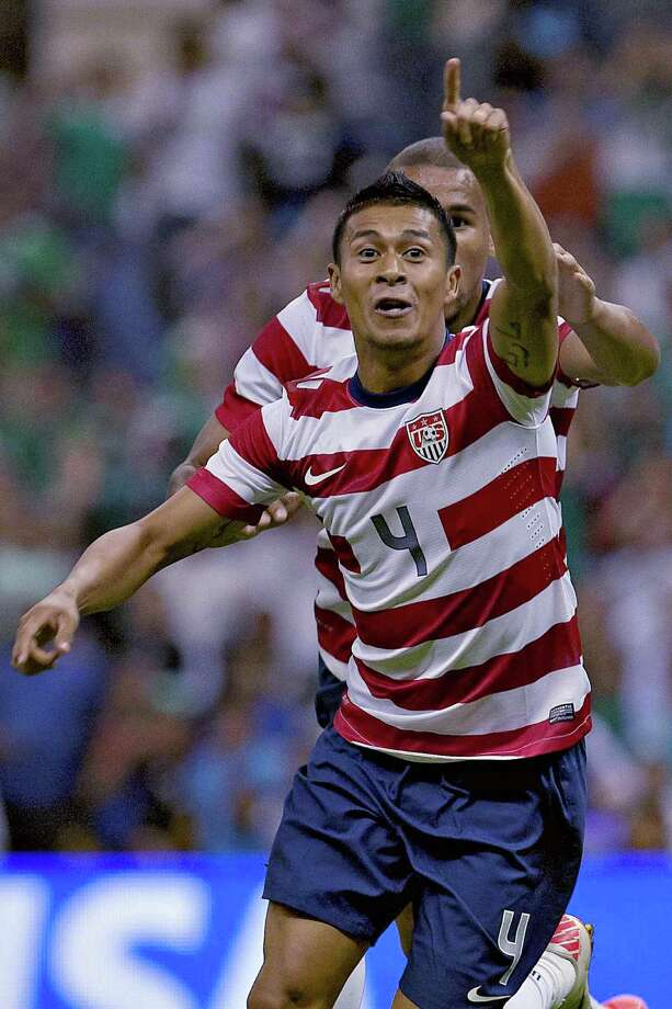 Michael Orozco of USA celebrates a goal against Mexico. Photo: ROBERTO MAYA, AFP/Getty Images / MEXSPORT
