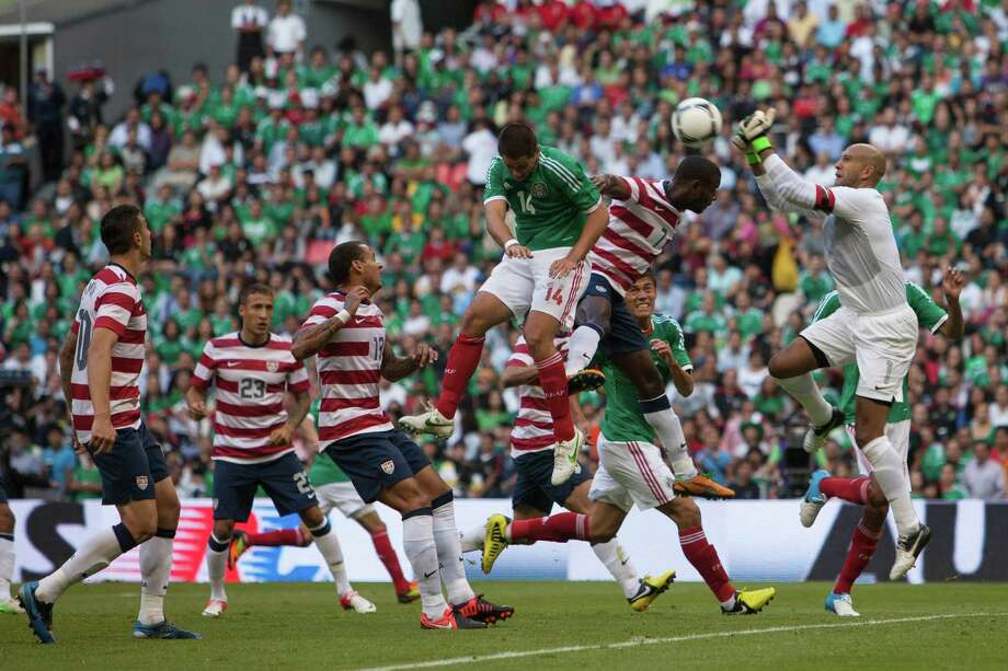 Timothy Howard of the United States jumps for the ball. Photo: Miguel Tovar, Getty Images / 2012 Getty Images