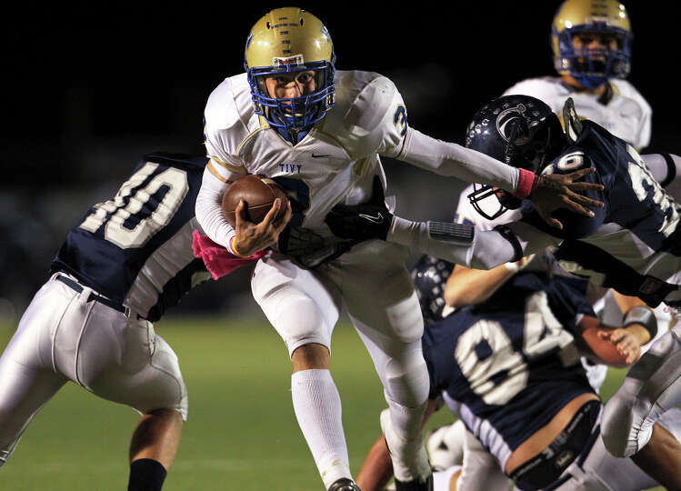 Antler quarterback Johnny Manziel leaves tacklers behind as Boerne Champion loses to Kerrville Ti