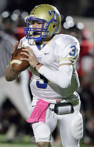 Kerrville Tivy's Johnny Manziel looks to pass against Lake Travis during first half action Friday Nov. 19, 2010 at Heroes Stadium. Photo: Edward A. Ornelas, San Antonio Express-News / eaornelas@express-news.net