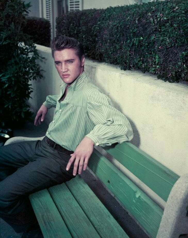American singer and actor Elvis Presley (1935 - 1977), circa 1957. (Photo by Archive Photos/Getty Images) (Getty Images)